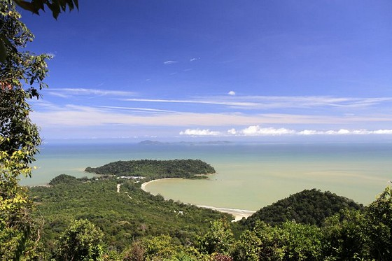 The spectacular view from Gunung Arong