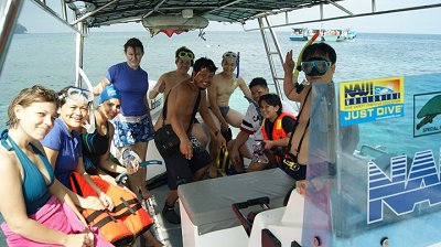...to happy snorkelers